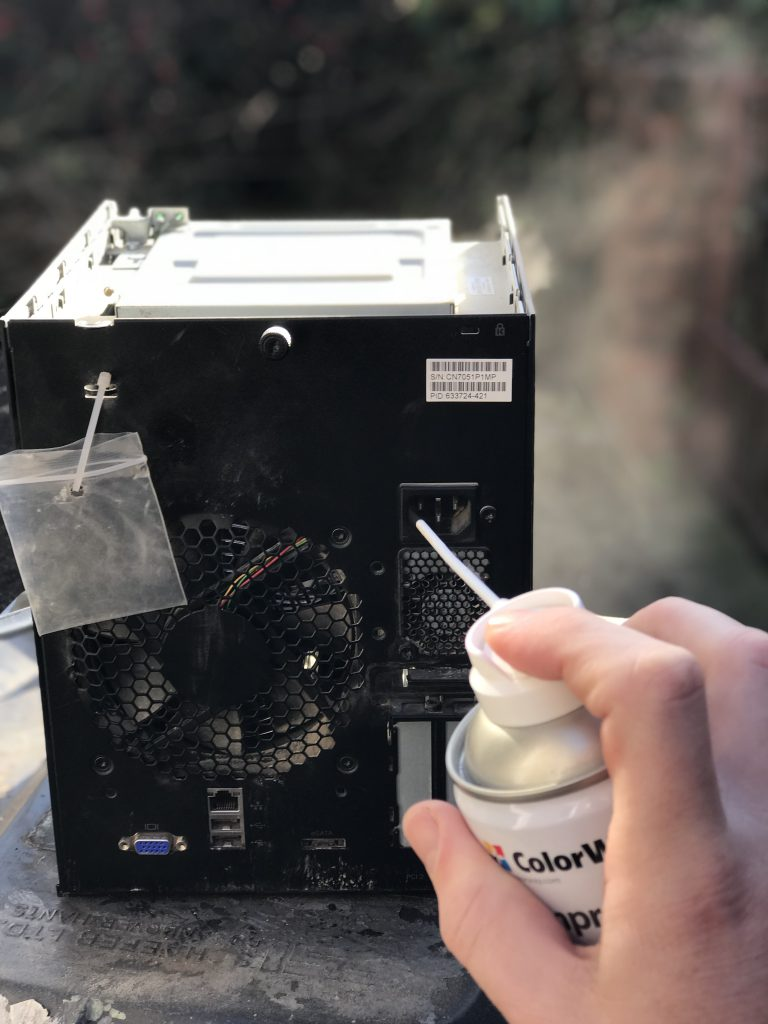 Server computer having dust remove with compressed air